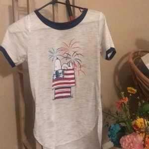 Peanut t-shirt size small excellent condition